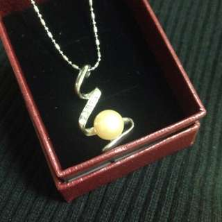 流線設計款珍珠墜飾