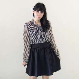Dress Stripe Hitam Krem | Baju Kawaii Preloved / Second / Bekas