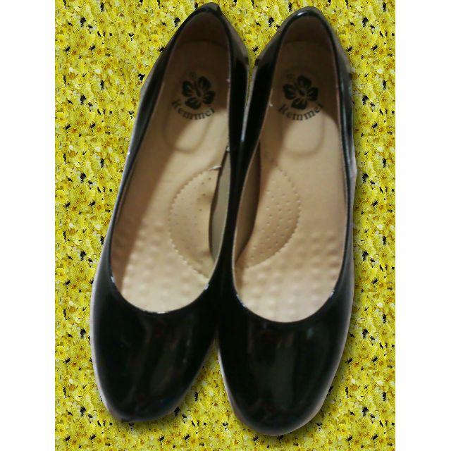 黑色素面低跟鞋