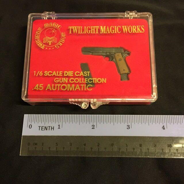 Twilight Magic Works 45 automatic pistol 1//6 scale diecast
