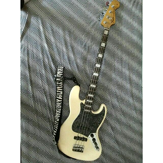 Bass Fender Jazzbass Deluxe Custom Shop