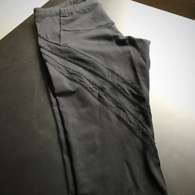 Lorna Jane Black Core Stability Crop Tights Size S