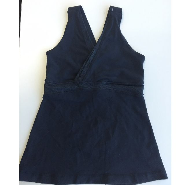 Lululemon Ladies Activewear Cross Over Tank, size 10 Aus (CAN size 6). Black.
