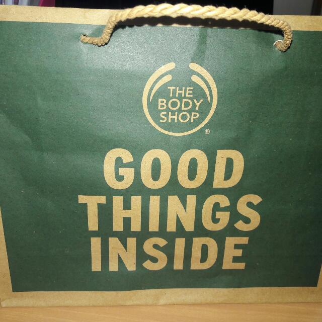 papper bag the body shop