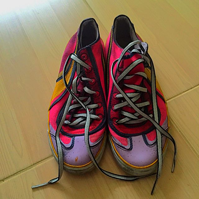 Sepatu Puma Multi Color Size 38