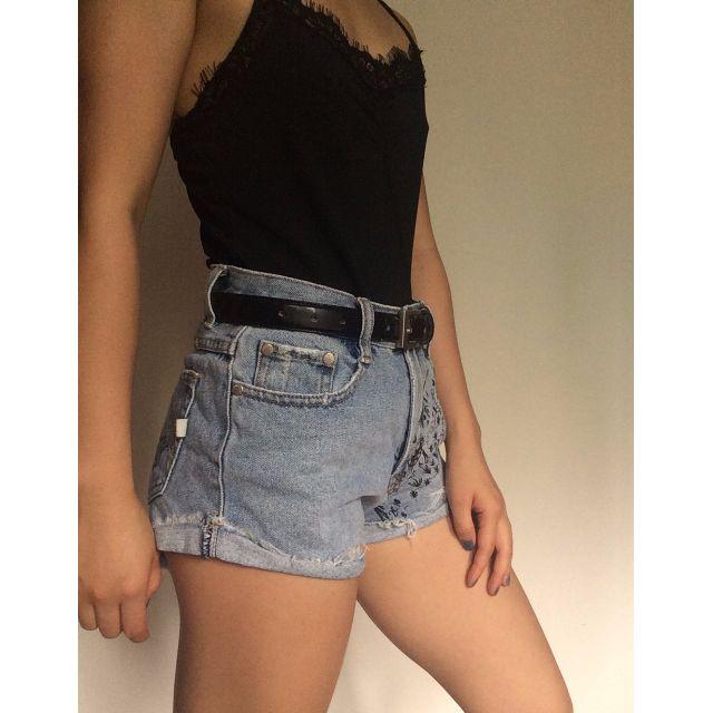 Sz 6-8 MINK PINK Shorts