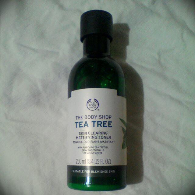 Tea Tree Skin Clearing Mattifying Toner - The Body Shop