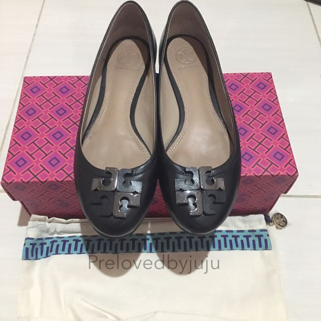Reprice Tory Burch Flat Shoes