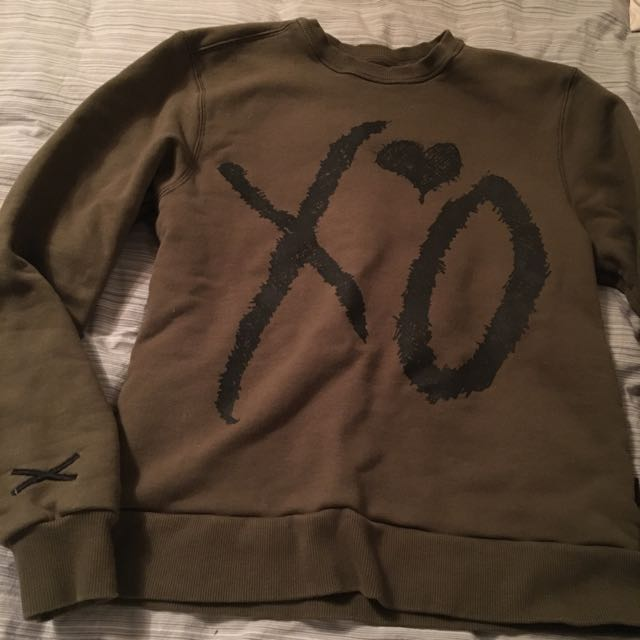 XO Official Green Woman's Sweater M
