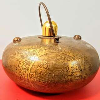 ANCIENT OIL POT LAMP