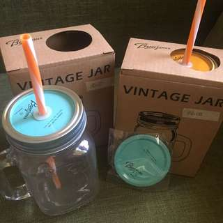 vintage jar, can use to stock up juices, candies can use as a glass etc..