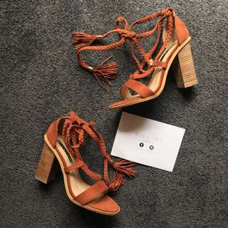 BRAND NEW BILLINI Zara Suede Heels Size 6