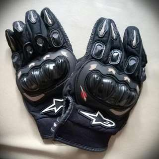 SUPER SALE!!!230.00. Repriced (Motorcycle) Pair Of Gloves