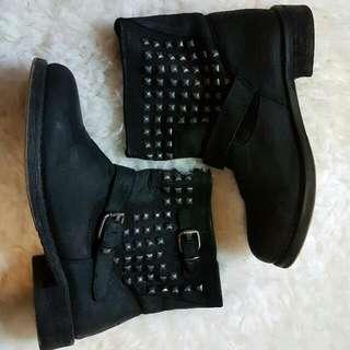 SPORTSGIRL Boots Sz 8