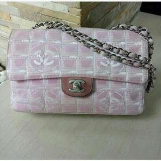chanel medium authentic bag