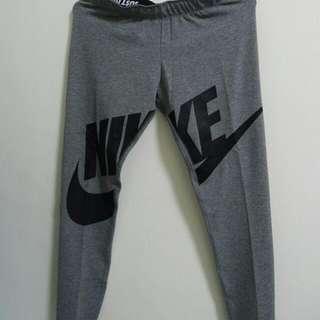 全新Nike女生彈力長褲