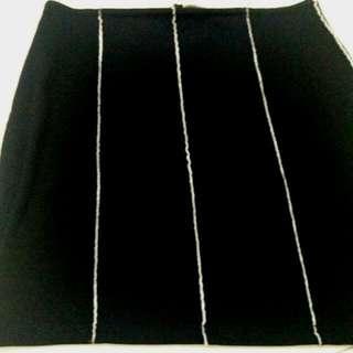 Strecthing Morgan De Toi Knee Length Black Dress