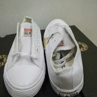 Converse LOW CUT - CLASS A NEW! ALL WHITE