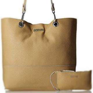 Kenneth Cole Alpine Tote With Wristjet