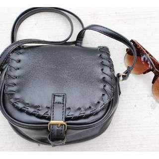 Mini Weave Bag in Black