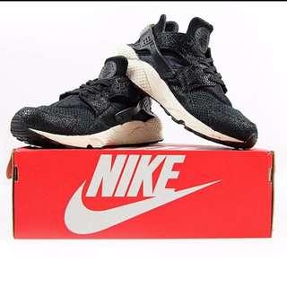 二手Nike Air Huarache 蟾蜍皮 魔鬼魚 黑白武士