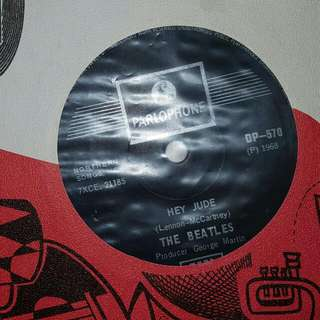 EP RECORD - THE BEATLES - HEY JUDE - REVOLUTION - 1968 PRESS
