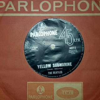 EP RECORD - THE BEATLES - YELLOW SUBMARINE - ELEANOR RIGBY- 1966 PRESS