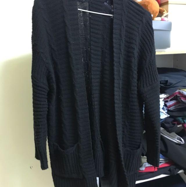 黑色開襟毛衣外套