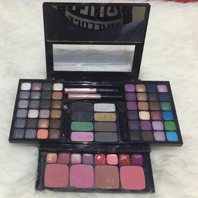 Eyeshadow Pallete Nyx Soho Glam Collection