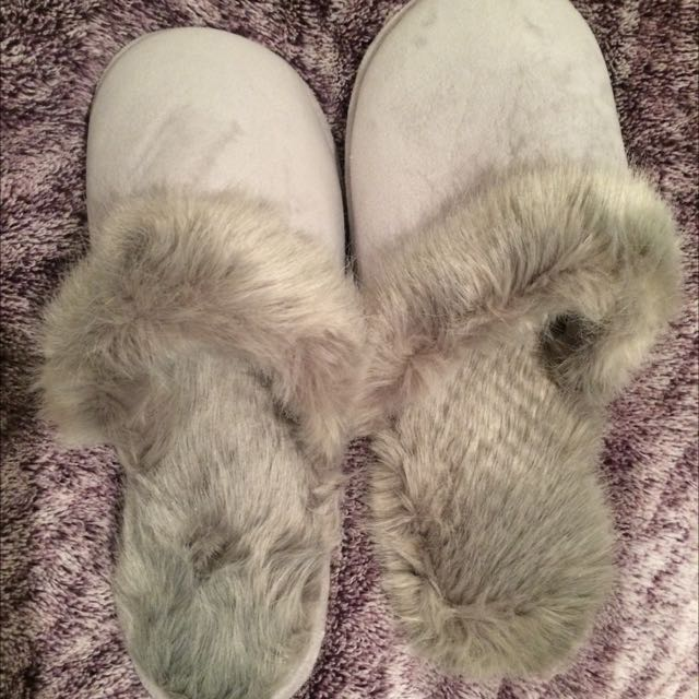 Faux Fur Slippers BNWT