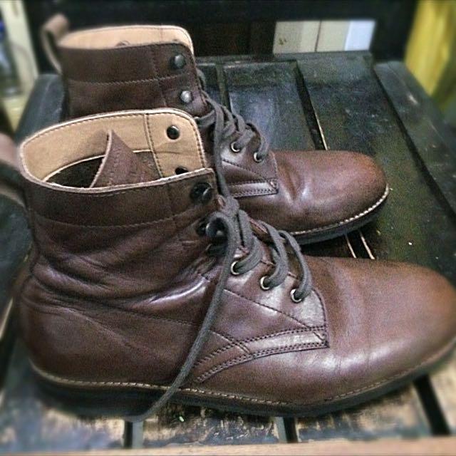 Guteninc Premium Leather Boots (Size 45, Local)