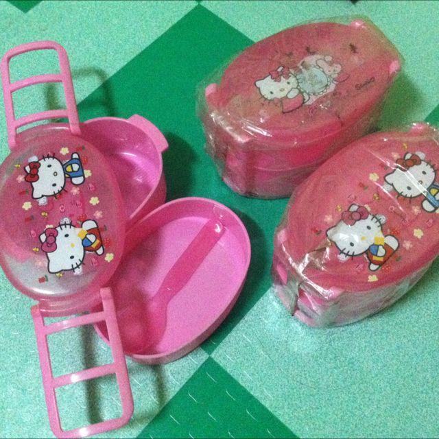 hello kitty lunch box w/spoon only