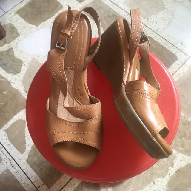 Pre-loved Sandals