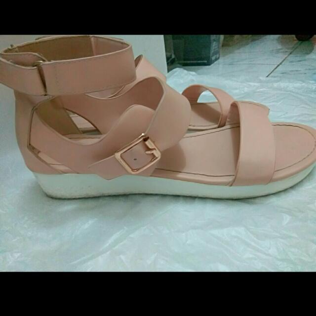 Preloved Urban N Co Sandals