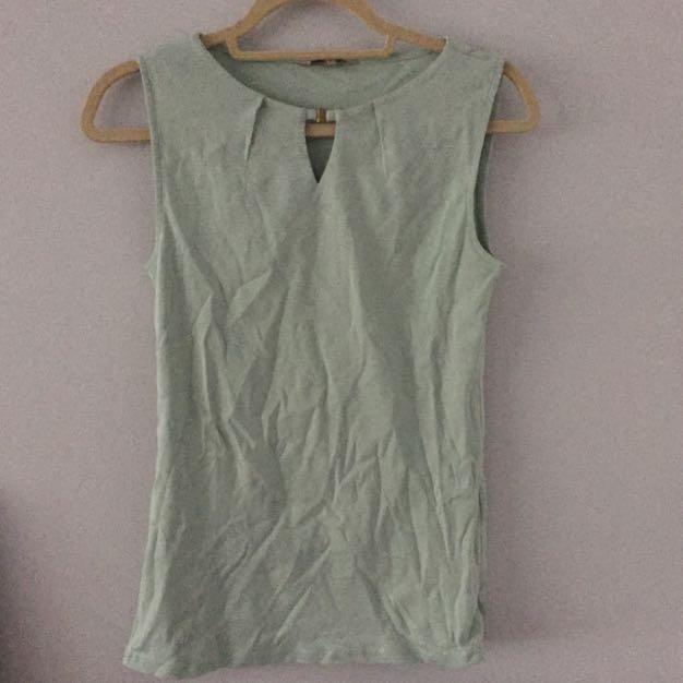 R&W Sleeveless Shirt S