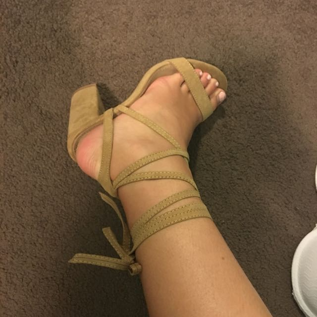 SPURR (THE ICONIC) TAN BLOCK HEELS SIZE 7