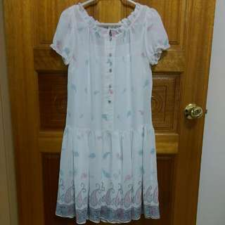🚚 白色連身裙