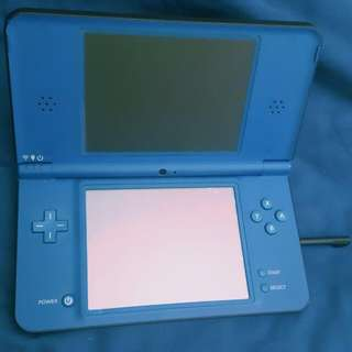 Nintendo DSI XL (9 Games, 2 Extra Pens And A Case Included)