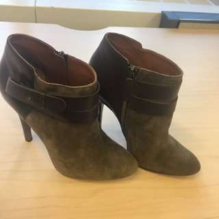 Nine West Size 8 Booties