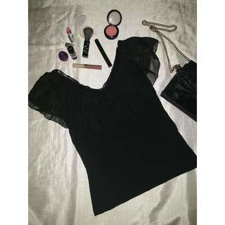 Black V Neck with Renda