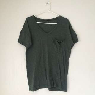 Urban Outfitter T-shirt Olive Green