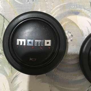Momo 喇叭蓋