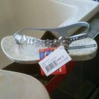 IPANEMA White/Silver Daisy Thongs/Sandals