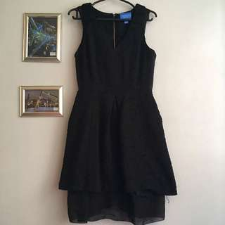 VERA WANG Black Sleeveless Dress