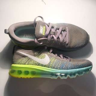 Nike Flyknit Max SIZE 8.5