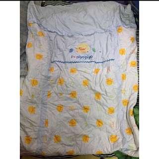 買黃色小鴨嬰兒被套就送送棉被/要買要快喔