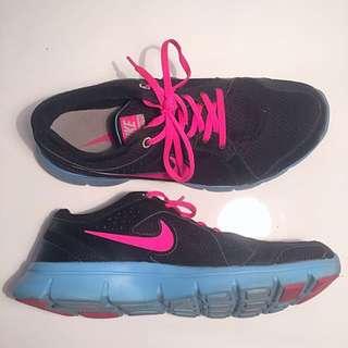 Nike Flex Experience RN 2 SIZE 8