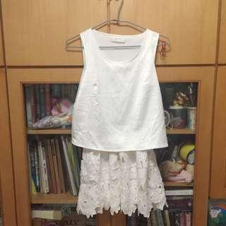 Meier Q Boutique Size S 白色花瓣蕾絲裙