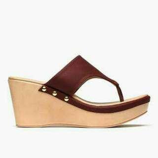 Parisian basic wedge sandal (maroon)