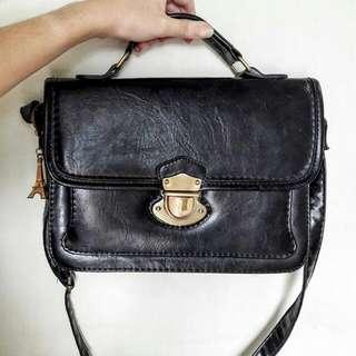 [GOWIGASA] Messenger Bag Black